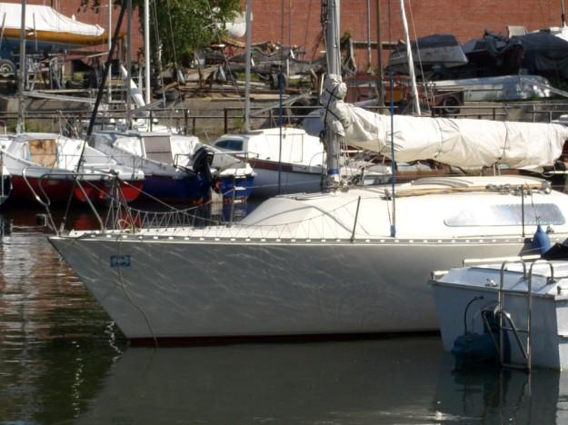 яхта 25 футов бэтмэн